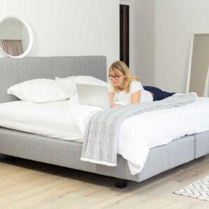 Boxspring DREAM 160x200 cm tissu gris avec matelas